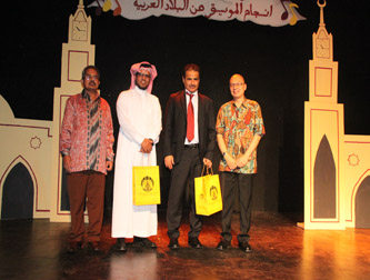 """"""" Harmoni Irama Padang Pasir"""" dalam Festival Timur Tengah 2015"""