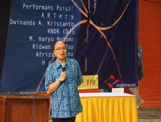 "Peluncuran Buku ""Puisi, Bahasa Teknologi Media"" karya Afrizal Malna"
