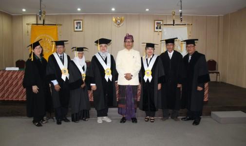 Promosi Doktor Ilmu Susastra I Made Suparta