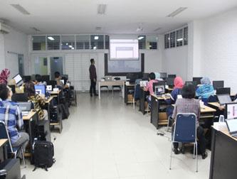 Workshop Penulisan Karya Ilmiah  dengan  Aplikasi  Pengelolaan  Referensi Mendeley