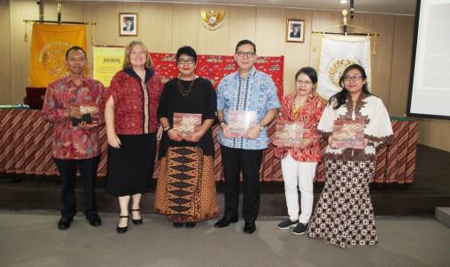 Peluncuran dan Diskusi Buku Batik Jawa