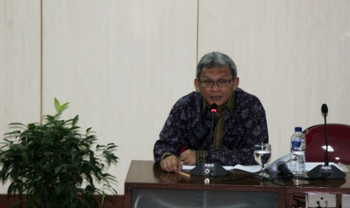 """ceramah budaya dengan tema """"Budaya Bahari & Nasionalisme"""" oleh Prof. Dr. Susanto Zuhdi"""