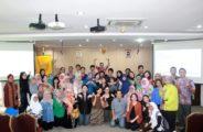 Lokakarya Pengembangan Profesi Guru Bahasa Asing dan Simposium Mahasiswa S2 Linguistik